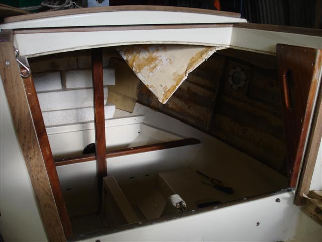 Cornish Shrimper boat repairs undertaken at Windsport