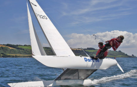 Flying a hull on the Dart 18